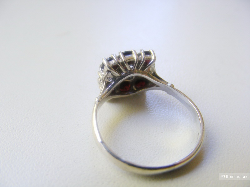 Кольцо серебро 925 пробы гранаты 16-16,5 размер