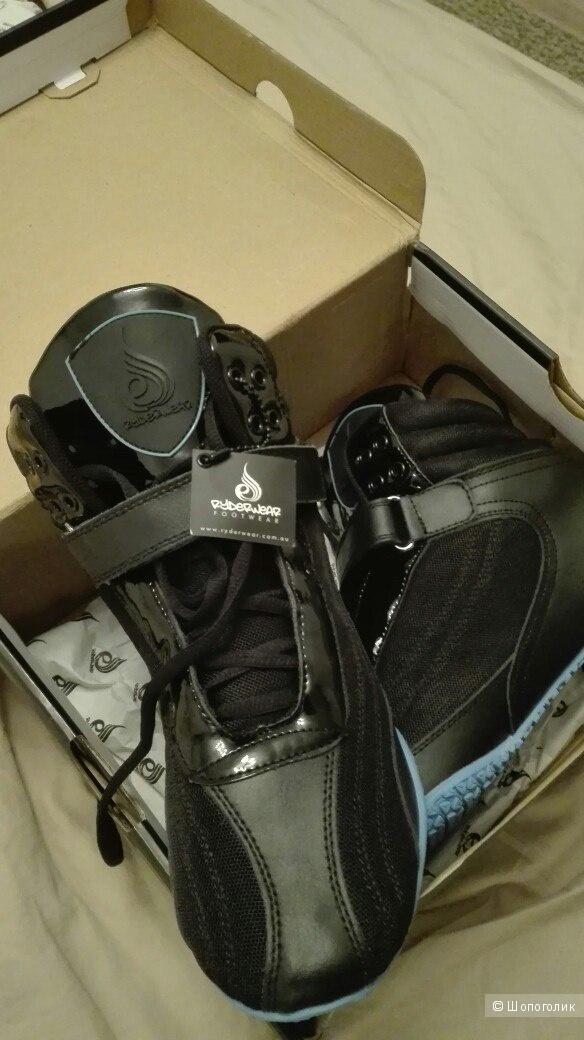 Новые кроссовки Ryderwear 42р