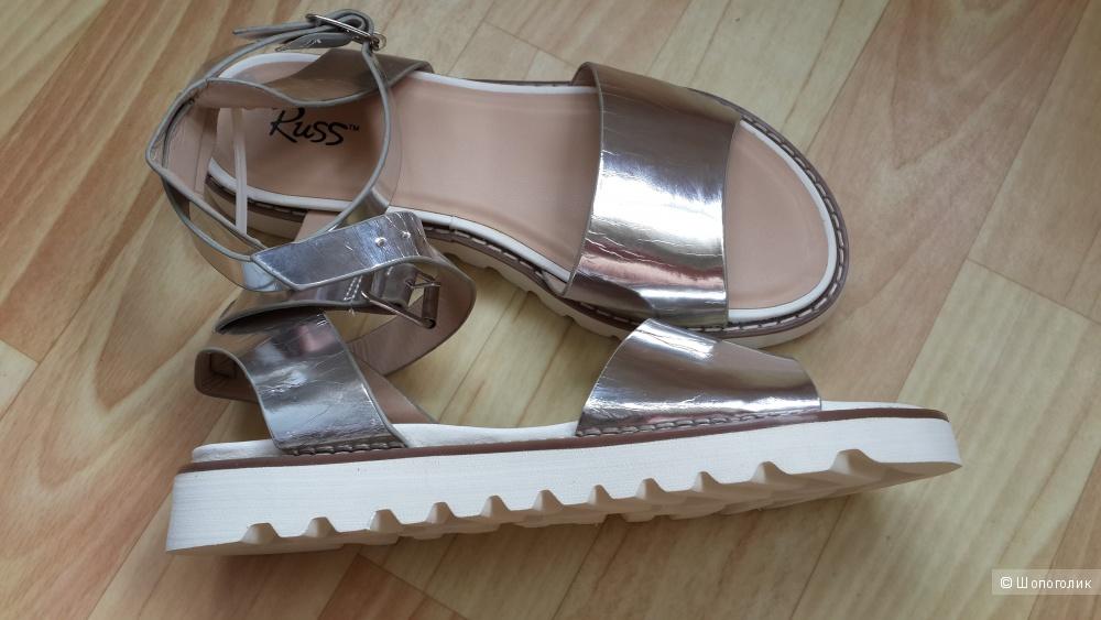 Новые модные серебряные сандали. 37р-р
