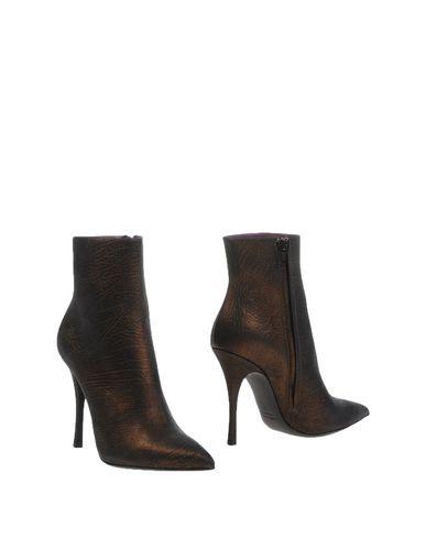 Пристрою новые итальянские сапоги, фирма LERRE, на 40 размер, цвет бронзовый/коричневый.