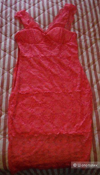 Платье из розового кружева