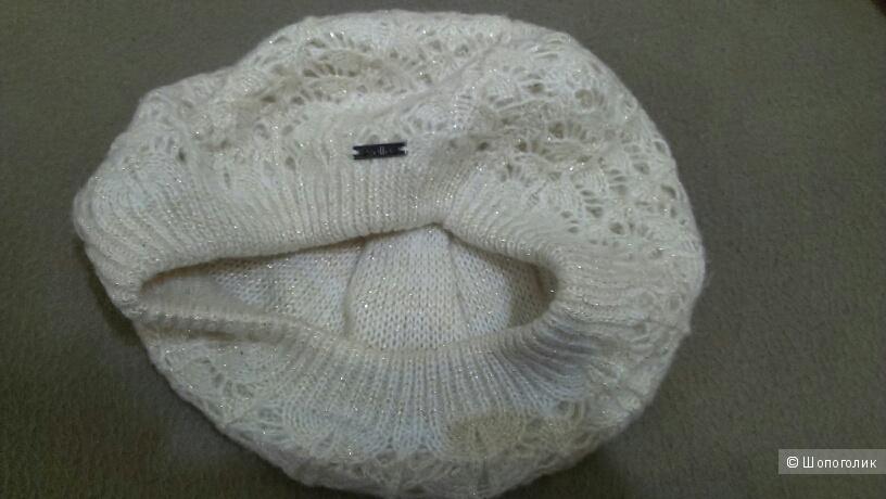 Комплект из берета и снуда на стильную зиму