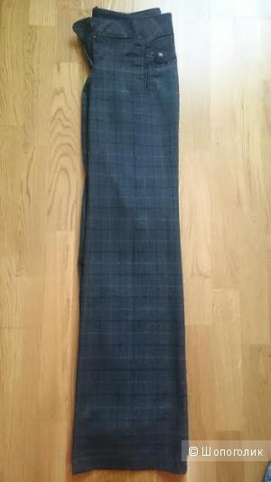 Теплые брюки Nadin. Размер 34 ( на российский 42)