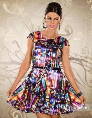 Яркое платье, размер С