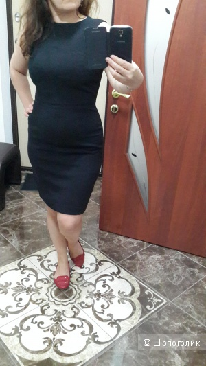 Классное платье футляр Mango размер Л