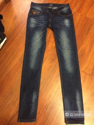 Джинсы новые Armani Jeans 27