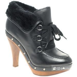 Продаю ботиночки Guess bountiful boots