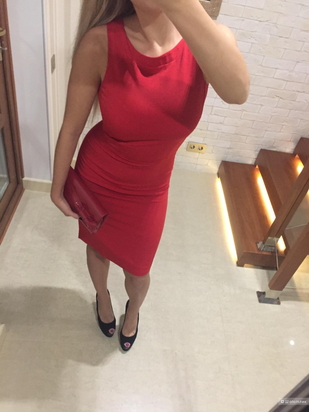 Красное платье Emporio Armani