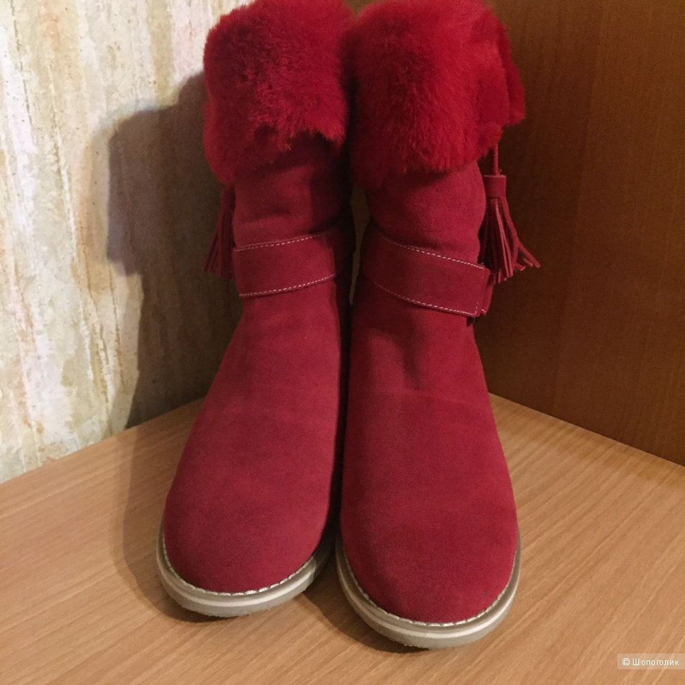 Новые замшевые ботинки