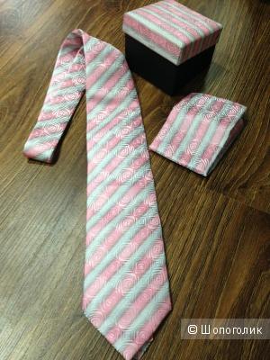 Подарочный набор мужской галстук и платок в коробочке Новый от John Knight