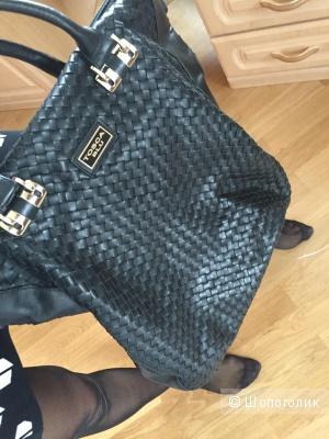 Продам сумку Tosca Blu оригинал Италия, натуральная кожа, черного цвета, большая вместительная, почти не ношенная.