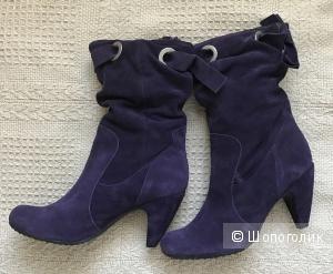 Фиолетовые замшевые сапожки