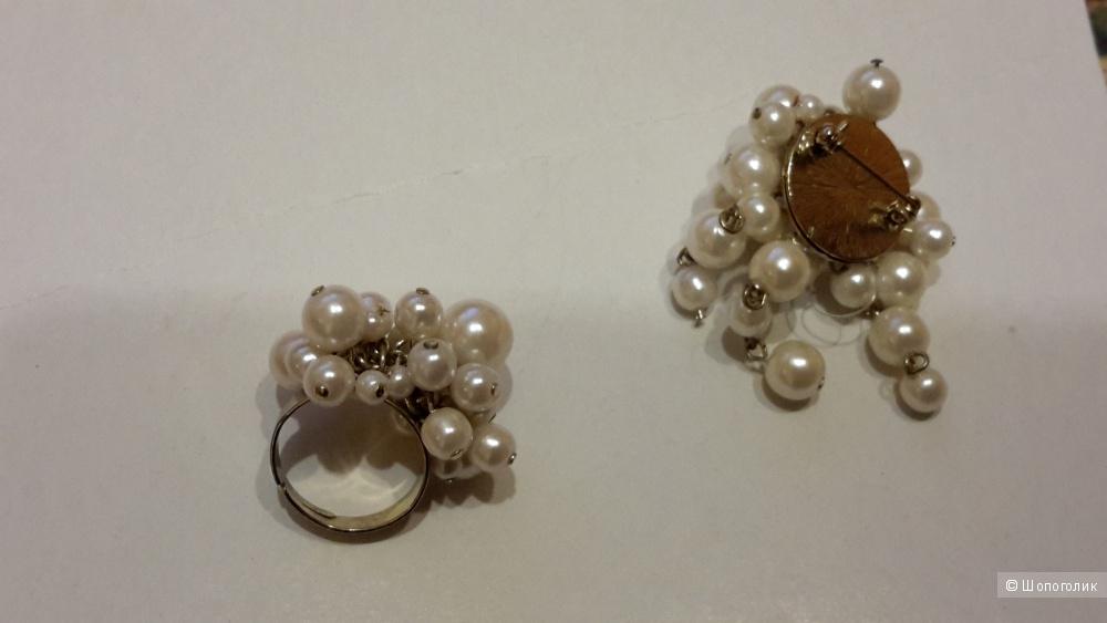 Комплект кольцо (безразмерное 17-19 оптимально) и брошка с жемчугом иск. новые
