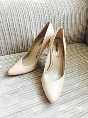 Продам туфли BCBGM 40 размер