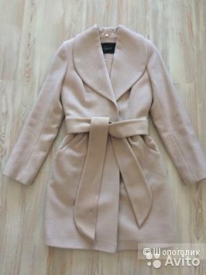 Пальто Лапландия пудрового оттенка размер 40-42