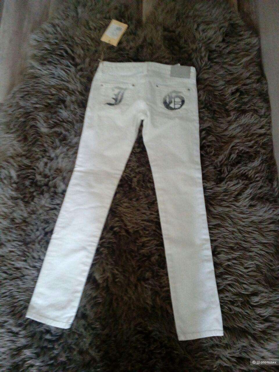 Новые белые скинни джинсы John Galliano, на 12 лет