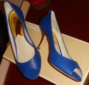 Элегантные Туфли Michael Kors (новые) цвет синий,  размер 37.
