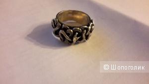 Красивое крупное кольцо со змеями серебро размер 18,5
