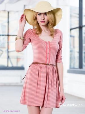 Новое трикотажное платье-туника в нюдовых тонах