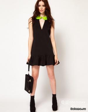 Черное платье с контрастным воротничком Lashes Of London