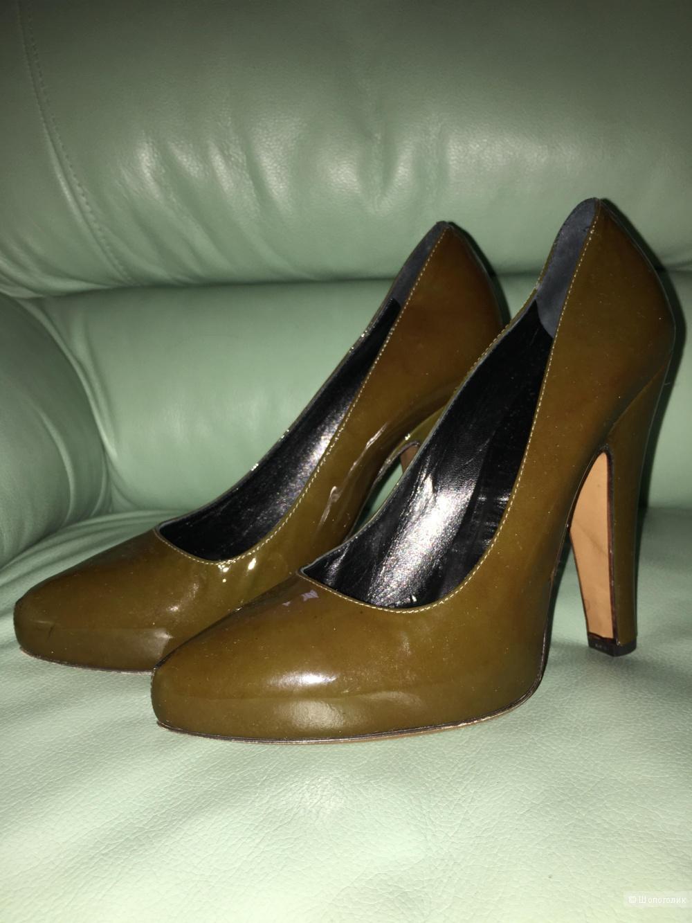 Пристраиваю новые туфли Moschino cheapandchic 39 размера