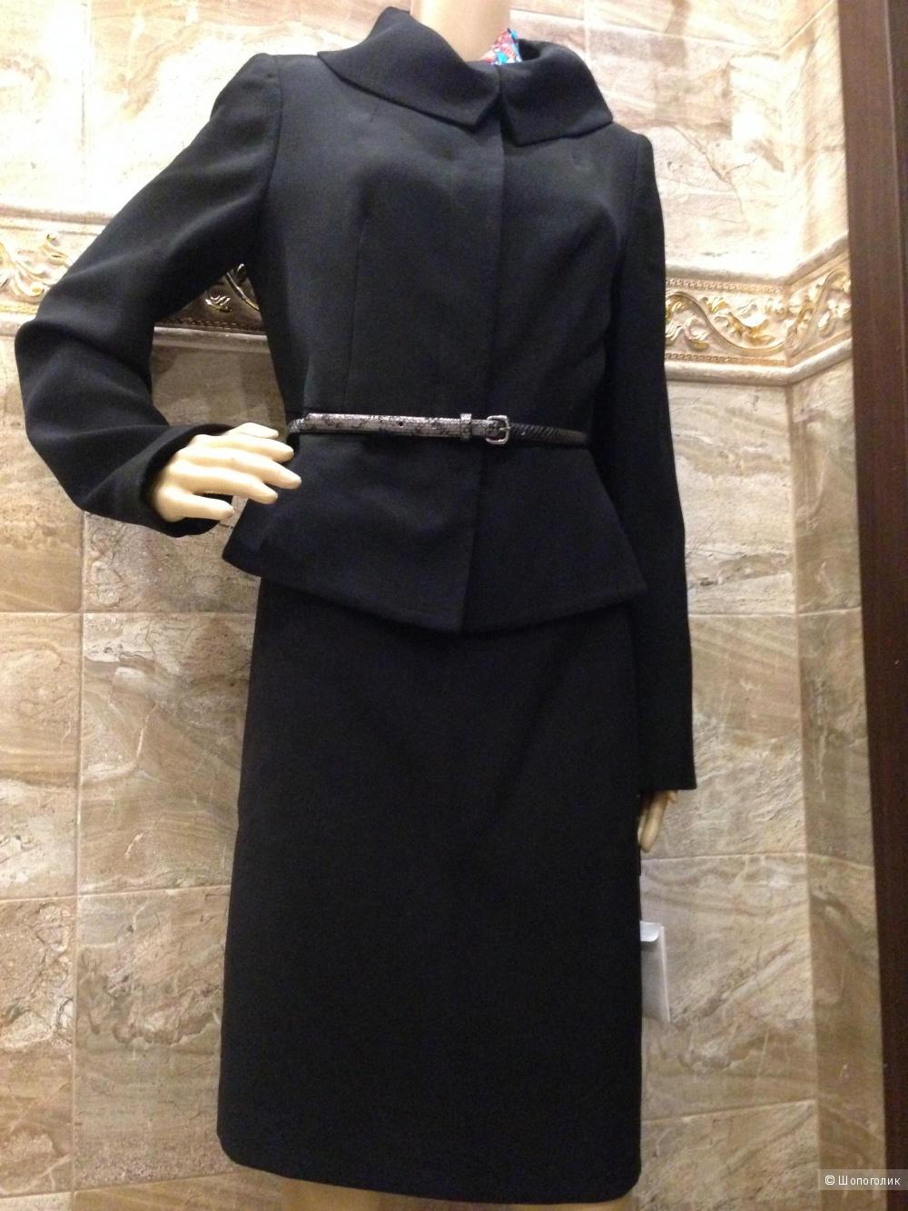 Красивый строгий офисный костюм от Calvin Klein р.44-46 (6us)