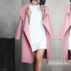 Воздушное пальто на весну в приглушённом розовом цвете