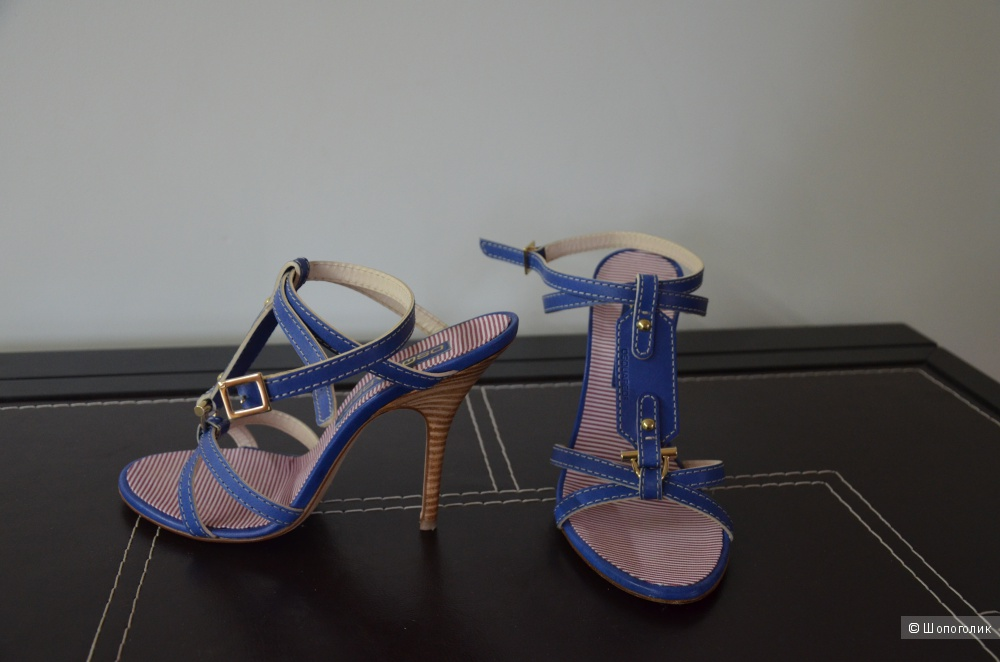 Брендовые босоножки на каблуке  DSQUARED2 размер 38, маломерят