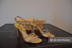 Босоножки на каблуке MICHAEL MICHAEL KORS новые размер 7М базовая модель