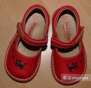Красные кожаные туфельки DeChics 22 размера для юной леди-любительницы кошек