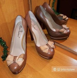 Женские кожаные туфли Carlabel, коричневого цвета, 39 размер