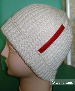 Спортивная шапочка Prada, реплика