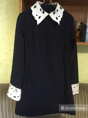 Платье с воротником из Панинтера, размер М, б/у, в отличном состоянии