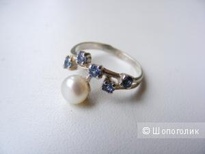 Кольцо серебро 925 жемчуг и голубые фианиты НОВОЕ 16 размер