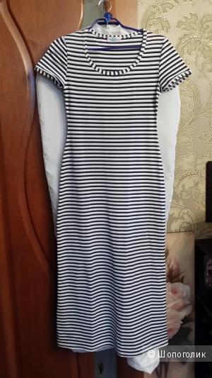 Трикотажное платье Periode Bleue производства Франция 44-46 размера
