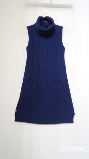 Стильное трикотажное платье-джемпер с воротником-хомут для девочки