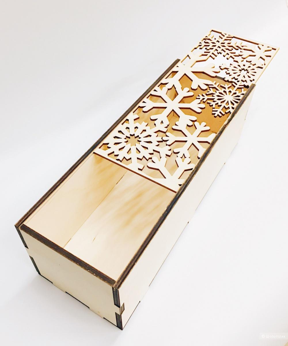 Новогодняя деревянная коробка для бутылки шампанского