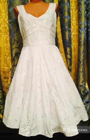 Платье фирмы  SWING Нежнейшее белое с вышивкой размер 46