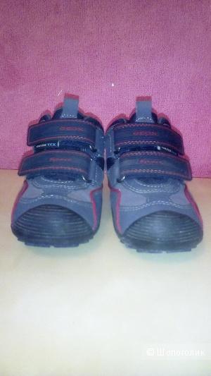 Продаю ботинки geox мембрана на мальчика,  осень- весна