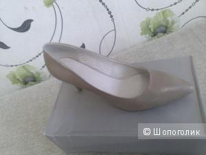 Новый туфли-лодочки 42 р-ра