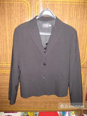 Пиджак, рубашка, жилетка,галстук