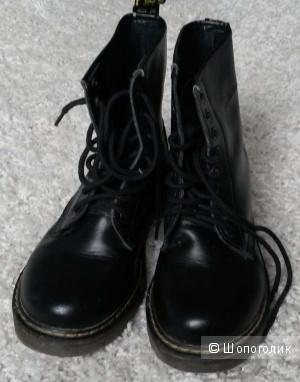 Ботинки  из натуральной кожи в отличном состоянии