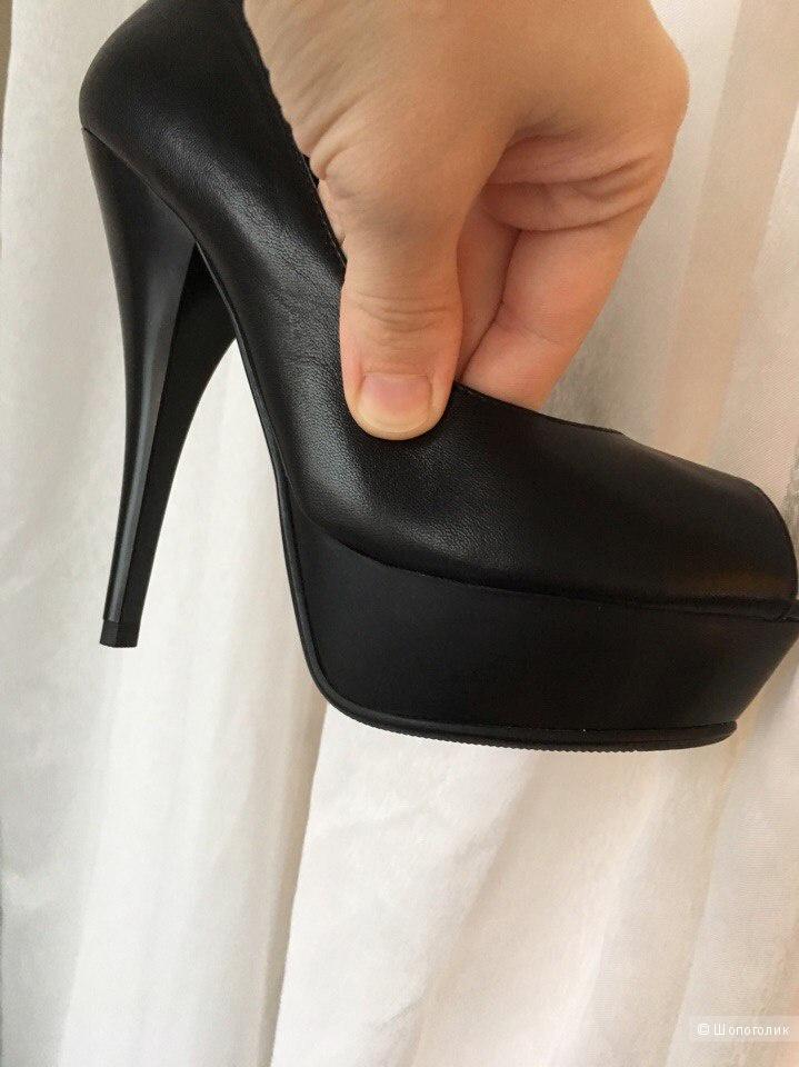 Туфли черные, натуральная кожа.