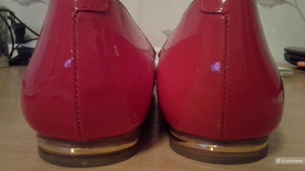 Балетки кожаные красные лаковые 37,5