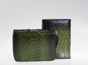 Дизайнерский кошелек из кожи питона.