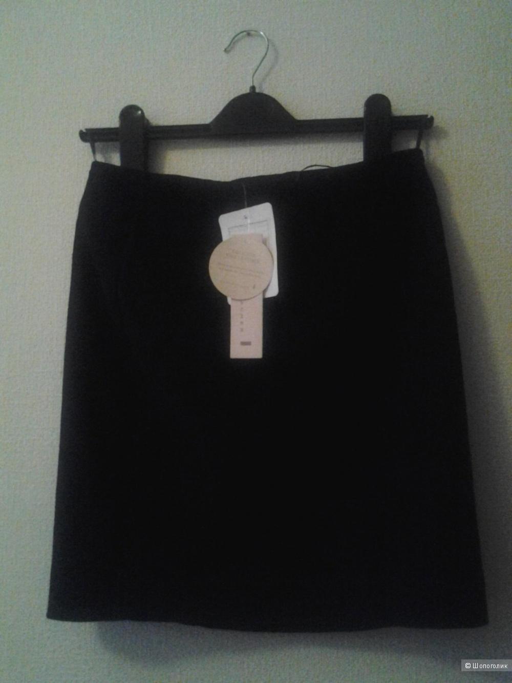 Замшевая юбка новая Shumacher р. S