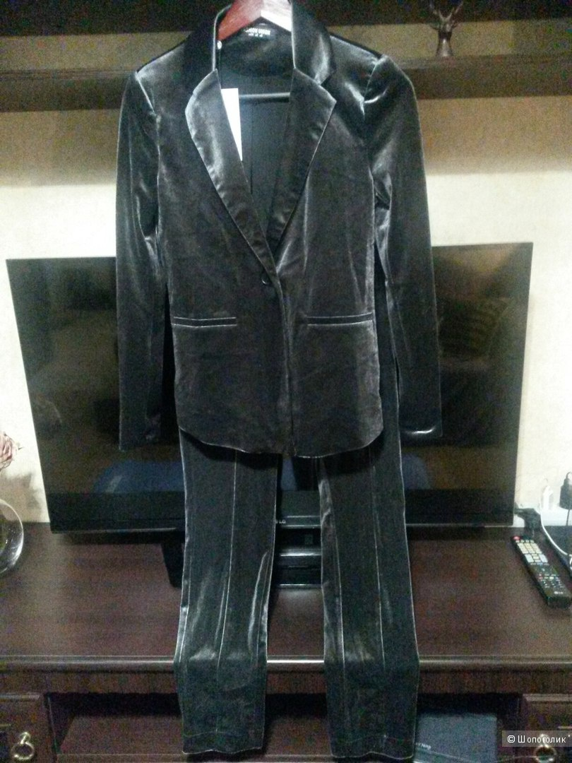 Бархатный брючный костюм Fashion Union