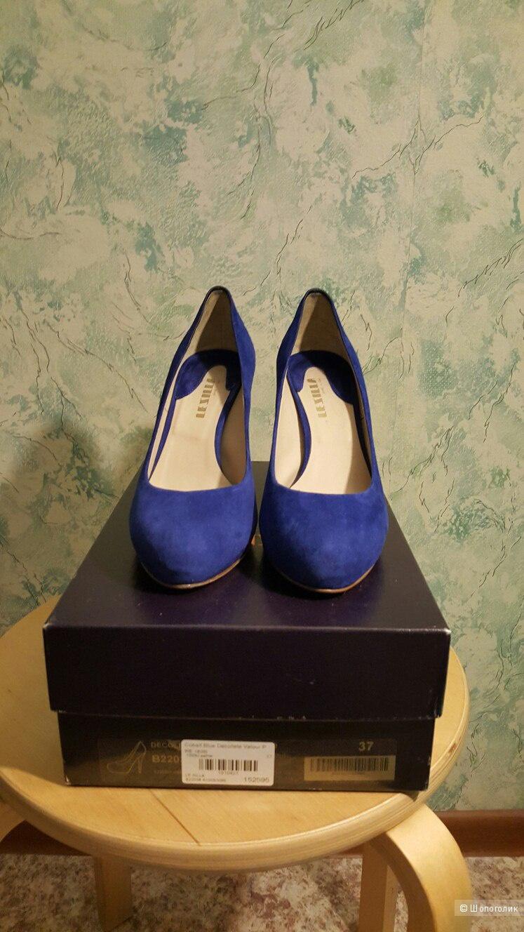 Новые замшевые туфли Le Silla