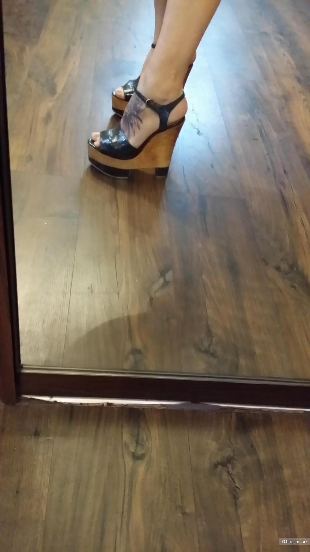 Босоножки кожаные STUDIO TMLS оригинал 38-39 размер
