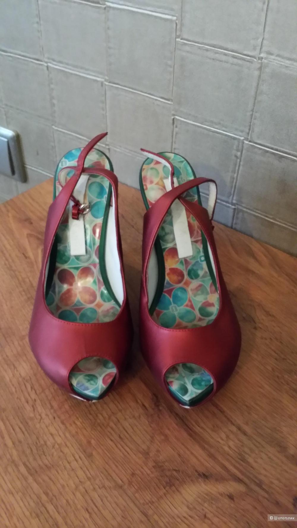 Оригинальные кожаные босоножки Paolo Conte 36 размер